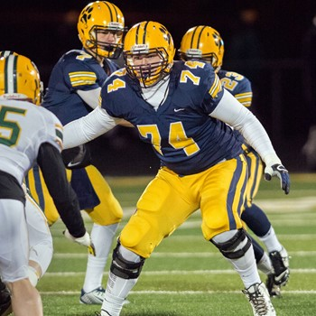 Saint Ignatius' Liam Eichenberg '16 Awaits Selection in NFL Draft